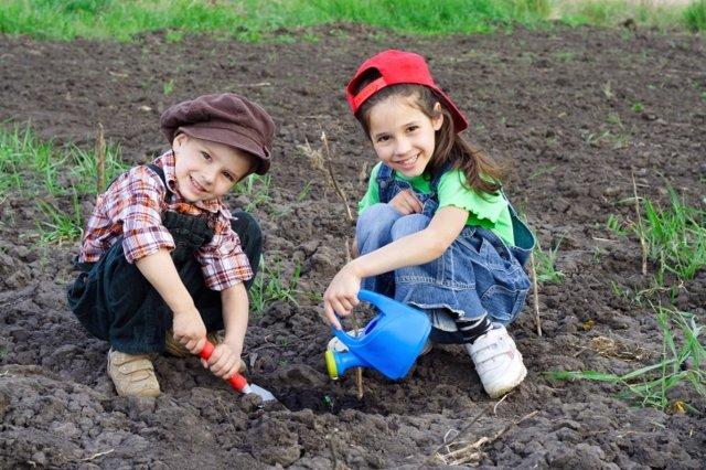 Día del Medio Ambiente, niños jardinería