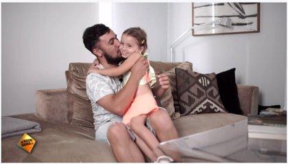 Vídeo: así expresan unos padres sus emociones mientras sus hijos cuentan lo que piensan de ellos