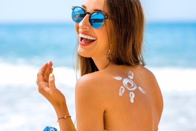 Protege tu piel de los riesgos de la destrucción de la capa de ozono