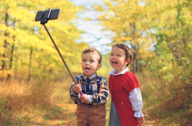 El primer teléfono móvil de los niños