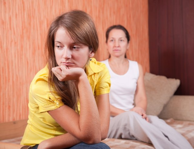 La falta de sueño puede ser la causa de mal humor en adolescentes