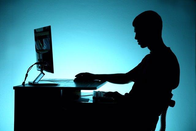 Gran parte de los jóvenes no saben reconocer los peligros de internet