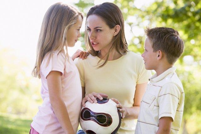 Si el niño se porta mal, lo mejor es mantener la calma