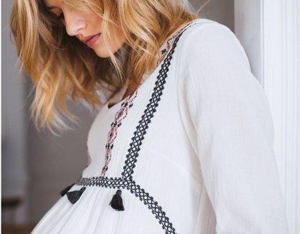 Viste tu embarazo: elige ropa premamá con estilo