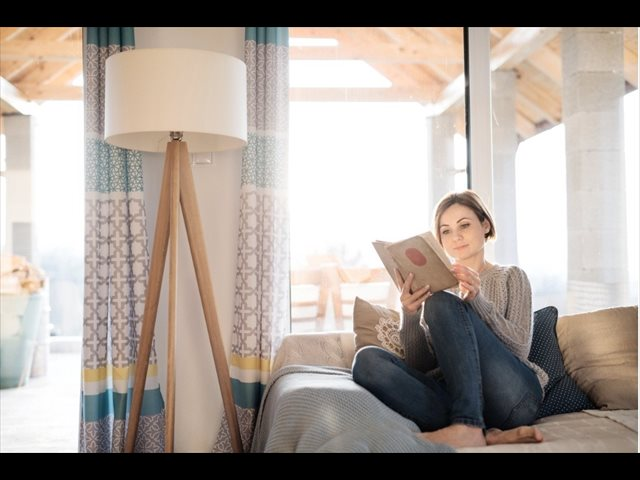 Las mujeres leen más, pero los hombres publican el doble