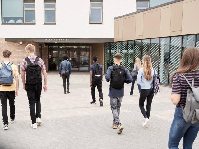 Ventajas e inconvenientes del horaro partido o contínuo para niños y adolescentes en el colegio