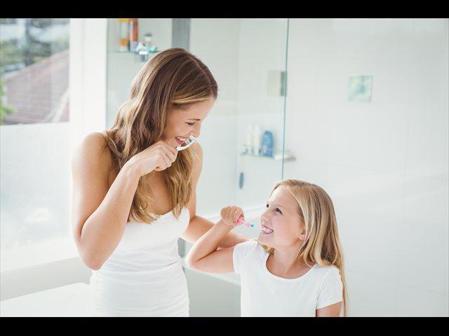 Más de la mitad de los niños no se cepillan los dientes después de cada comida