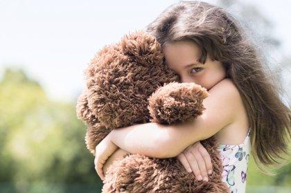 ¿Por qué es nefasto decirle a tu hijo que no sea tímido?