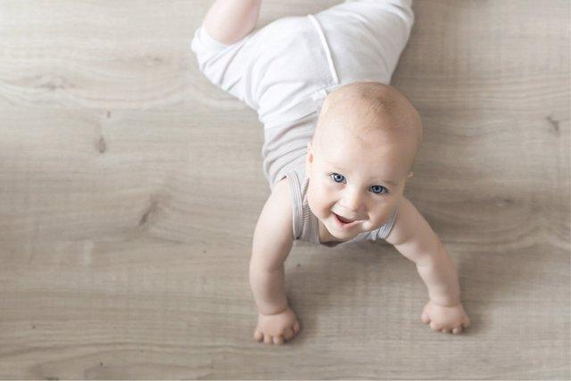 El estirón de los más pequeños no debe preocupar a los padres, es un proceso habitual en el desarrollo de los recién nacidos.