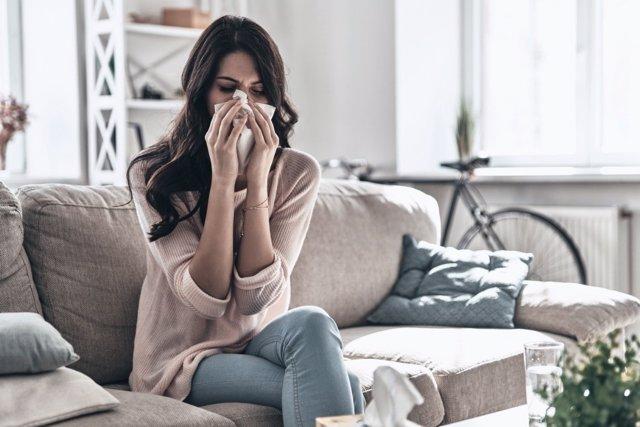 Consejos para que estornudar y sonarse la nariz eviten otros problemas de salud