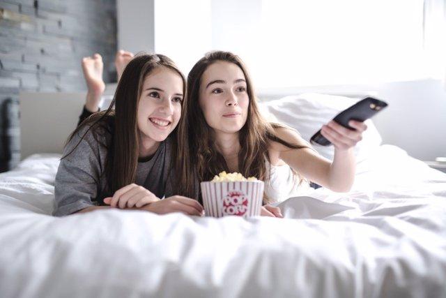 Los adolescentes y las series de ficción: qué ven y qué consecuencias tiene