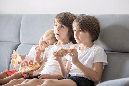 El consumo de televisión es el hábito que más influye en la obesidad