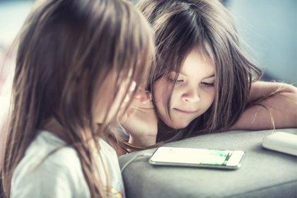 El móvil ha sido el regalo para tres de cada diez niños en Navidad