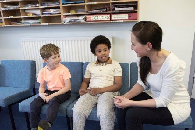 Cómo reaccionar cuando tenemos un hijo víctima de acoso escolar