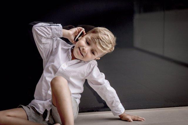 Ideas para gestionar el uso responsable del primer móvil de los niños