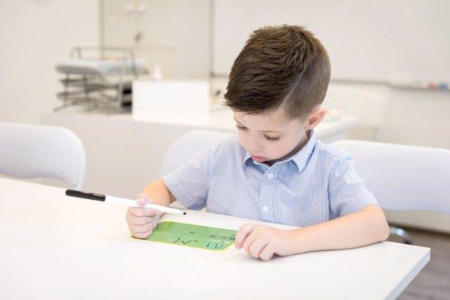 Enseñamos caligrafía o letra de palo a los niños