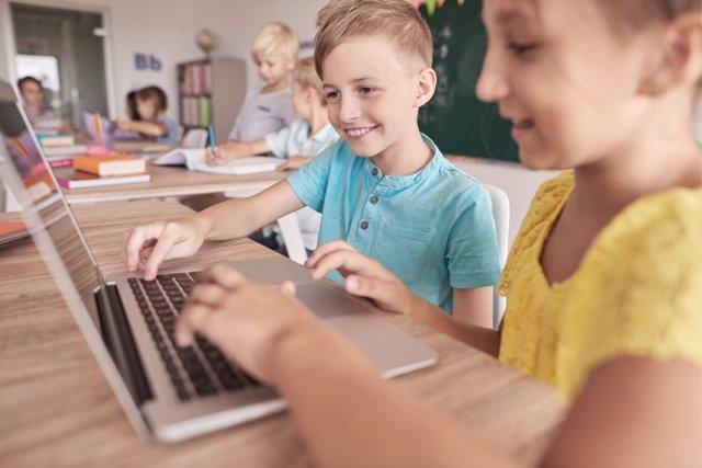 Conocer las luces y las sombras de las nuevas tecnologías ayuda a que los niños aprendan a usar de la mejor manera estos dispositivos.