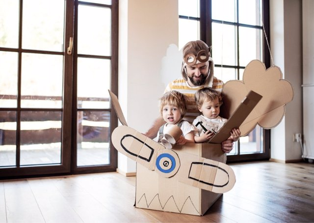 Un nuevo estudio revela que solo el 7% de los padres difrutan mientras juega con sus hijos.