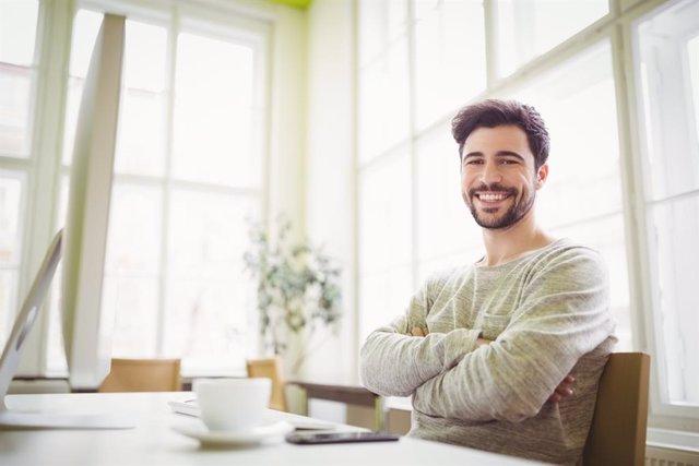 Si estás teletrabajando, así puedes hacer ejercicio delante del ordenador