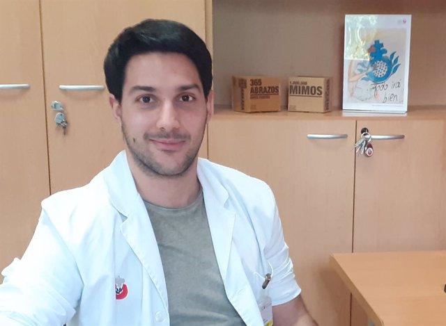 Entrevistamos al psicólogo especialista en Duelo, Carlos Gil Arellano
