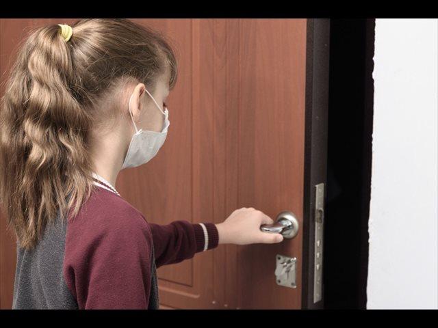 ¿Por qué hay niños que no quieren salir y prefieren quedarse en casa?