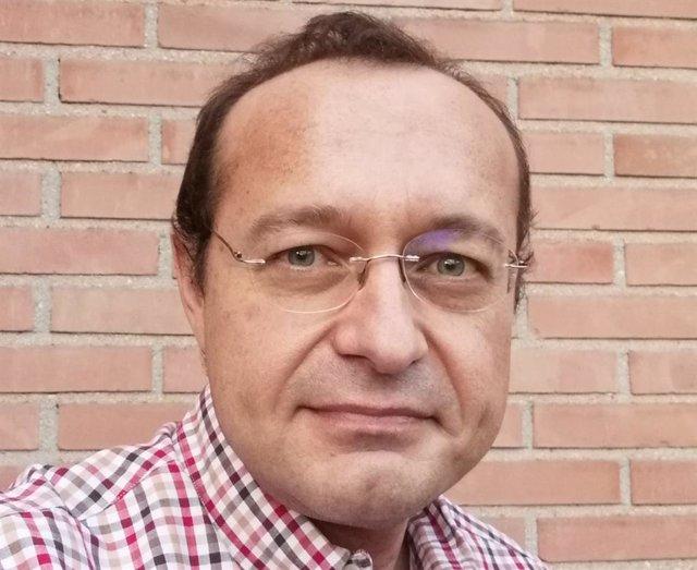 Entrevistamos al profesor Luis Manuel Martínez, autor del libro Y ahora... Los deberes?