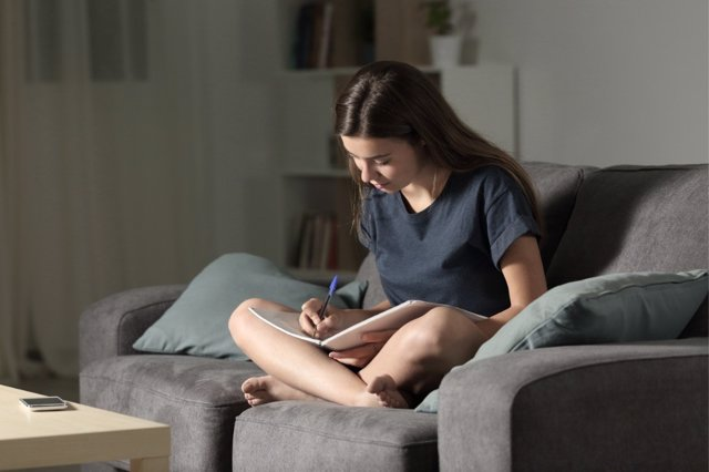 Escribir un diario reporta grandes beneficios a los adolescentes.