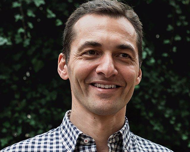 Entrevistamos al escritor Luis Blázquez