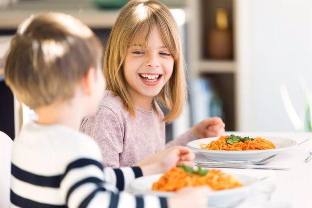 Ideas para acostumbrar a los niños a comer de todo