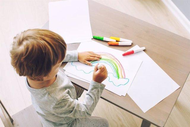 Planes para que los niños comiencen a hacer dibujos