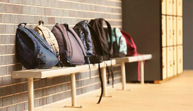 El futuro de muchos escolares sigue en el aire.