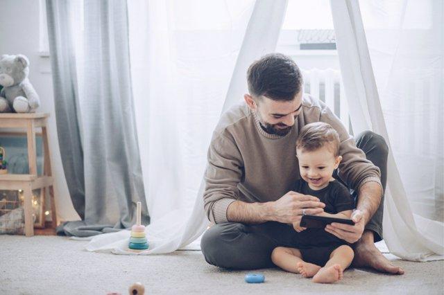 Las nuevas tecnologías son un gran apoyo en la crianza de los hijos, si se saben usr de un modo correcto.