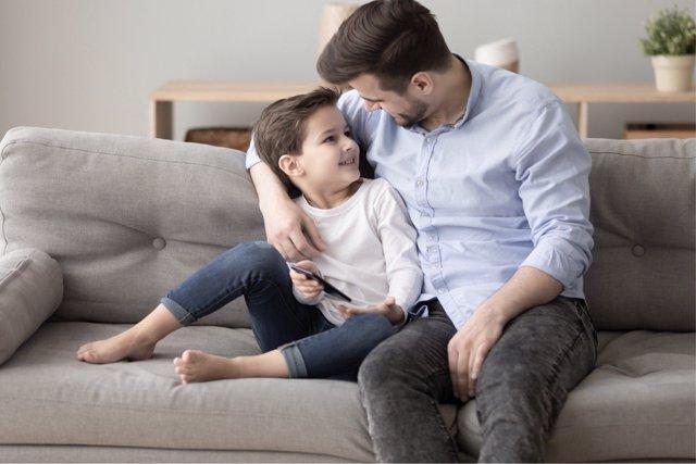 La presencia del padre en la crianza de su hijo tiene una gran influencia positiva.