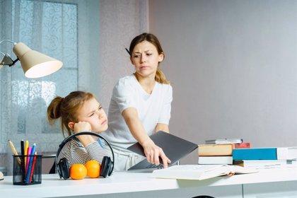 Padres mandones: cómo saber si nos estamos pasando