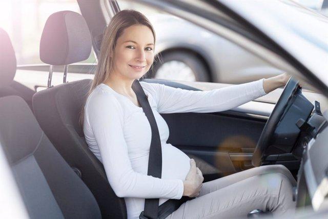Ponte el cinturón en el coche, también en el embarazo
