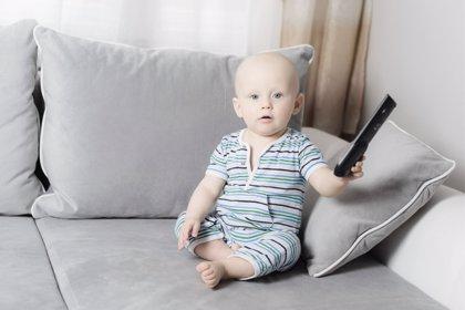 Infancia y televisión, ¿influye la pantalla en el comportamiento de los bebés?
