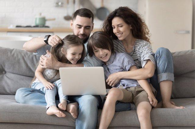 La familia es muy importante a la hora de transmitir reglas para un buen uso de las nuevas tecnologías.