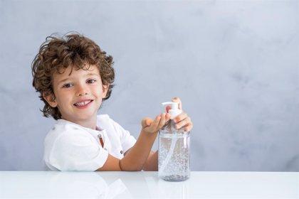 Gel hidroalcohólico: 8 consejos de uso para niños en la vuelta al cole