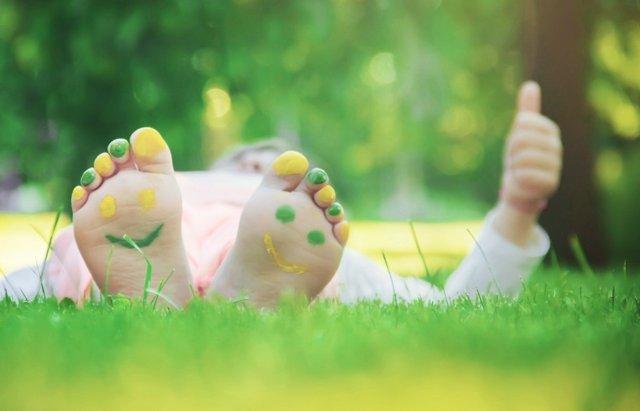 Revisa sus pies con la vuelta al cole: evita deformidades