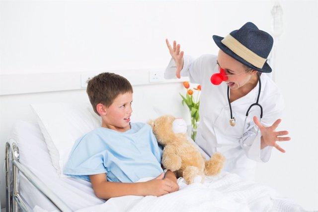 La fundación Theodora alegra la estancia de los niños hospitalizados