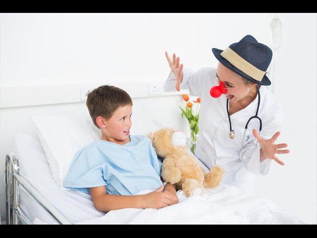 Los Doctores Sonrisa de la Fundación Théodora para niños hospitalizados