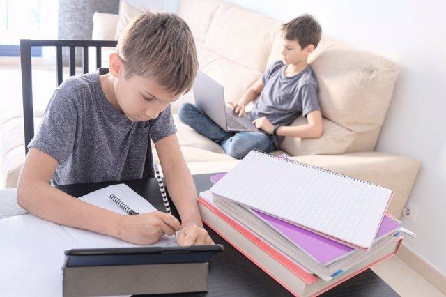 ¿Tienen Tus Hijos Problemas Con Los Estudios?