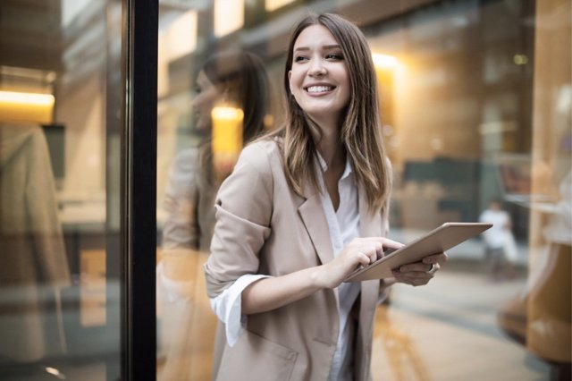 La creación de una identidad digital es muy importante a la hora de crear una reputación online que ayuda en objetivos como la obtención de un trabajo.