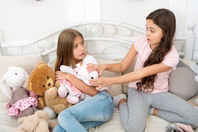 Generosidad y avaricia: ¿sabes enseñar a tus hijos a ser generosos?