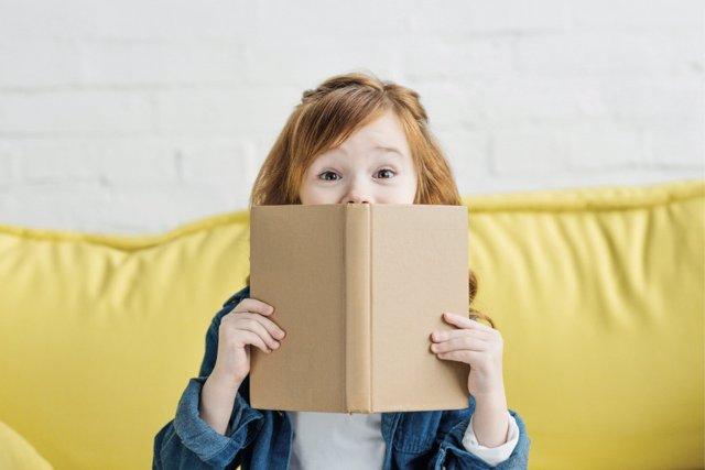 La lectura en los más pequeños debe ser fomentada en casa y no solo en la escuela.