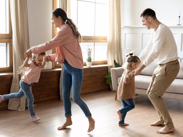 Disfruta con tu familia, haz de tu relación una fiesta cada día.