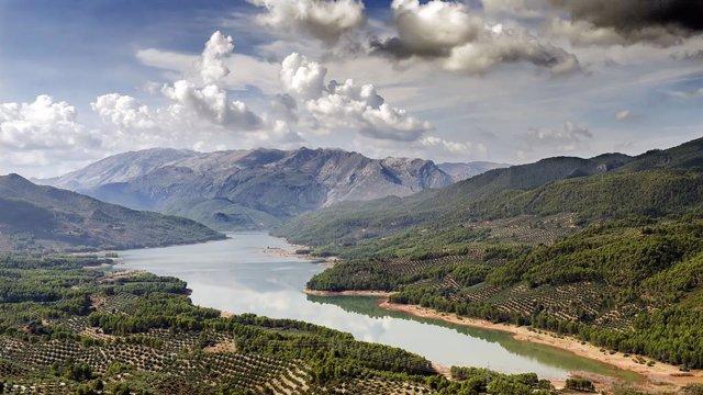 Pantano de Tranco, en la sierra de Segura, Jaén