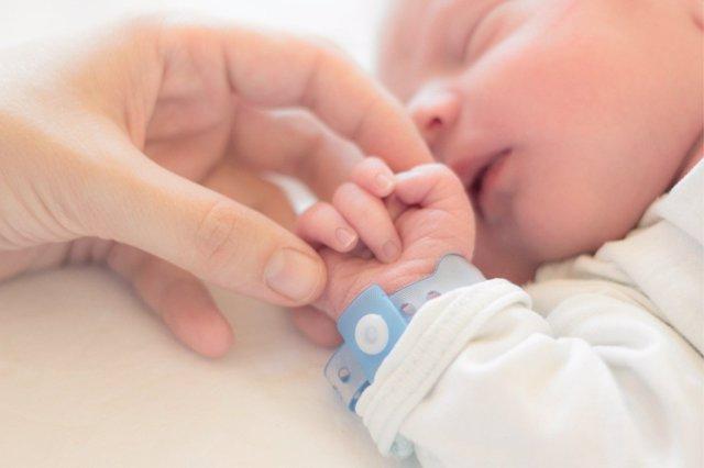 La llegada de un bebé supone el inicio de todos estos trámites administrativos.