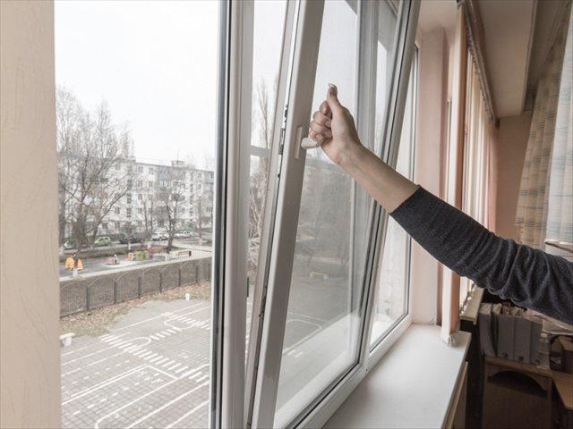 La AEP recomienda la ventilación natural en las aulas frente a la Covid-19