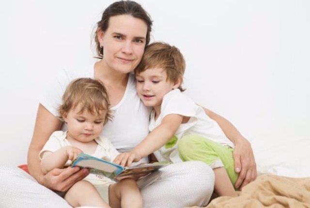Contar cuentos a los niños es una experiencia participativa